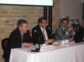 """2do. Desayuno Conferencia 2015 """"Tratado para Evitar la Doble Tributación con Colombia"""""""