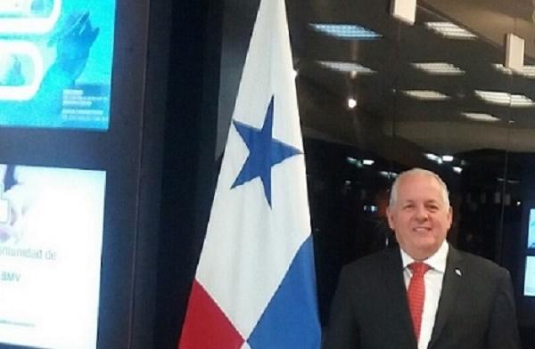 EMBAJADOR PANAMÁ MANUEL RICARDO