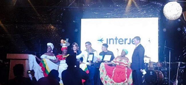 Lidera Patricia Cárdenas, Embajadora de Colombia, festejo del vuelo de Interjet CdMx-Cartagena